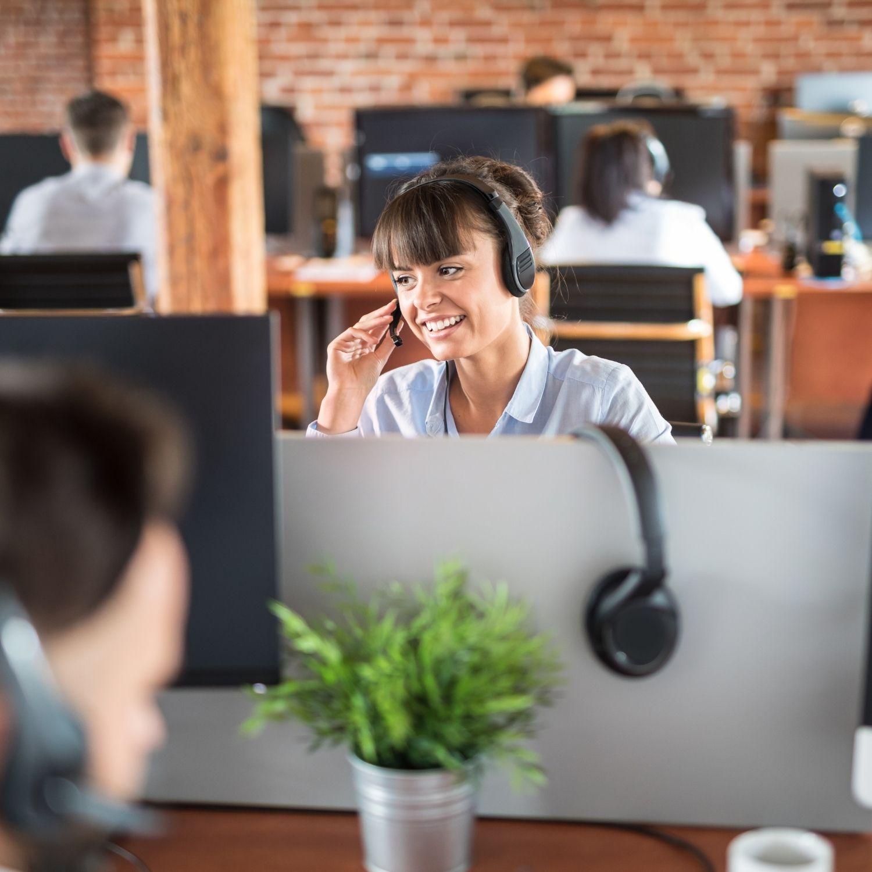 Telefon, centrum informacji telefonicznej, zyskaj szybką odpowiedź na pytanie, aktualne informacje, infolinia, konsltant telefoniczny, biuro obsługi klienta